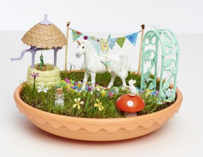Image 4 of Unicorn Garden - Interplay  (£21.99)